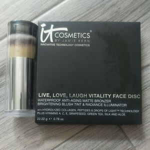IT Cosmetics Anti-Aging Palette with Buki Brush